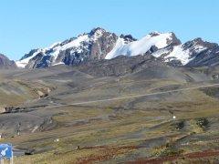 Cerro_Manquilizani_vom_Cumbre_Coroico.jpg