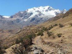 Illampu_Trekking_zur_Laguna_Chillata.jpg
