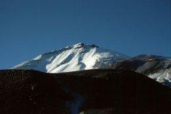 Ojos_de_Salado_Atacama_Chile.jpg