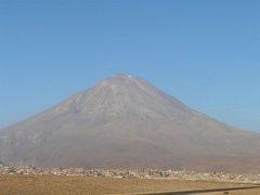Vulkan_Misti_Arequipa.jpg